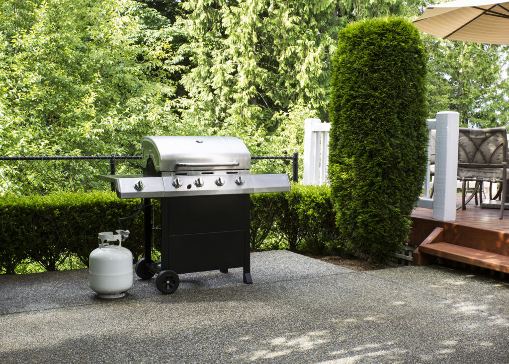 an outdoor grilled/kitchen stove